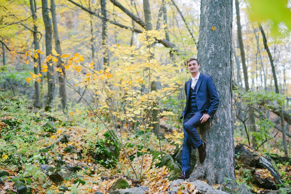 Groom-Forest-Zsuzsi-Pal-Photography-Wedding