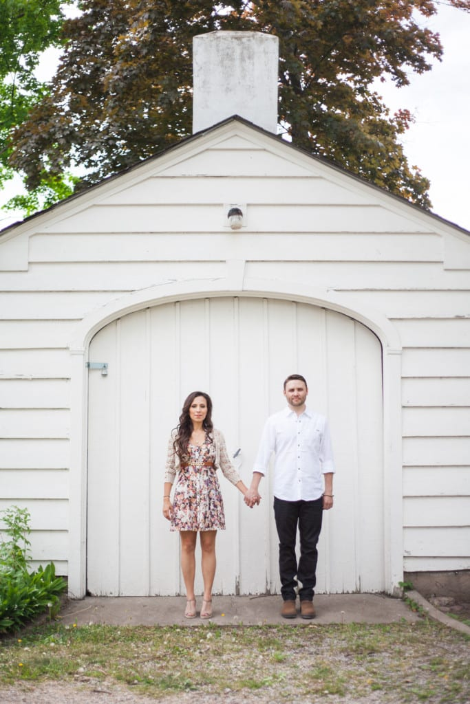 White-Shed-Couple-Engagement-Zsuzsi-Pal-Photography