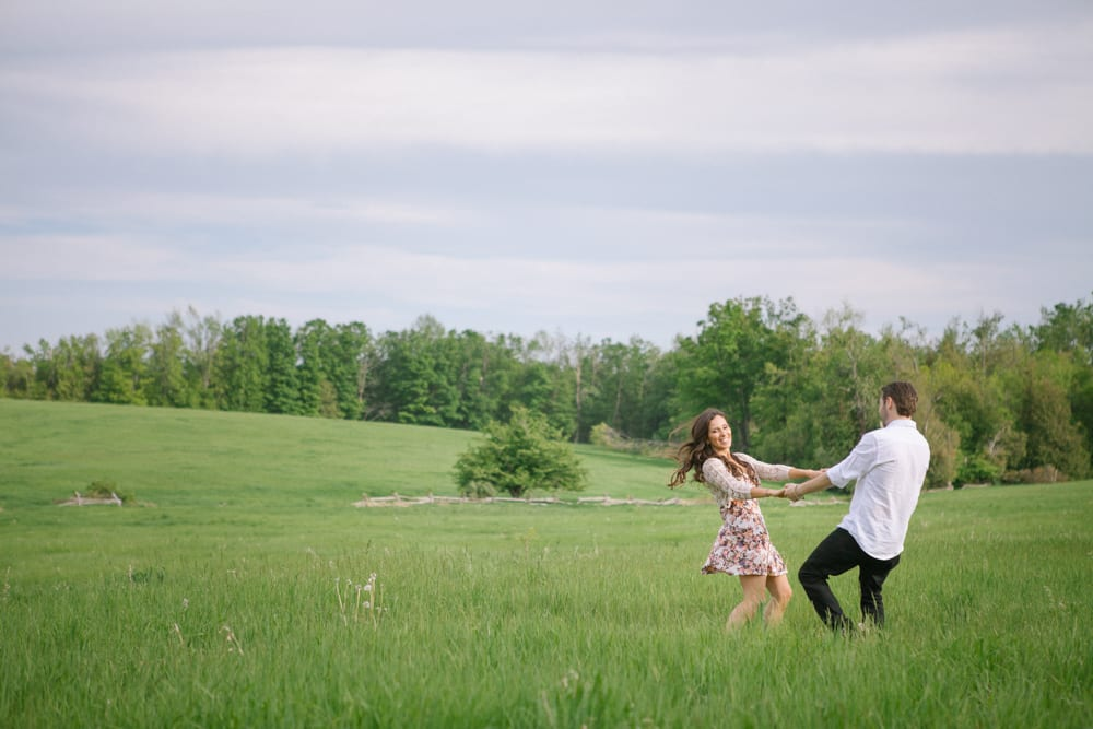 Field-Dance-Engagement-Zsuzsi-Pal-Photography