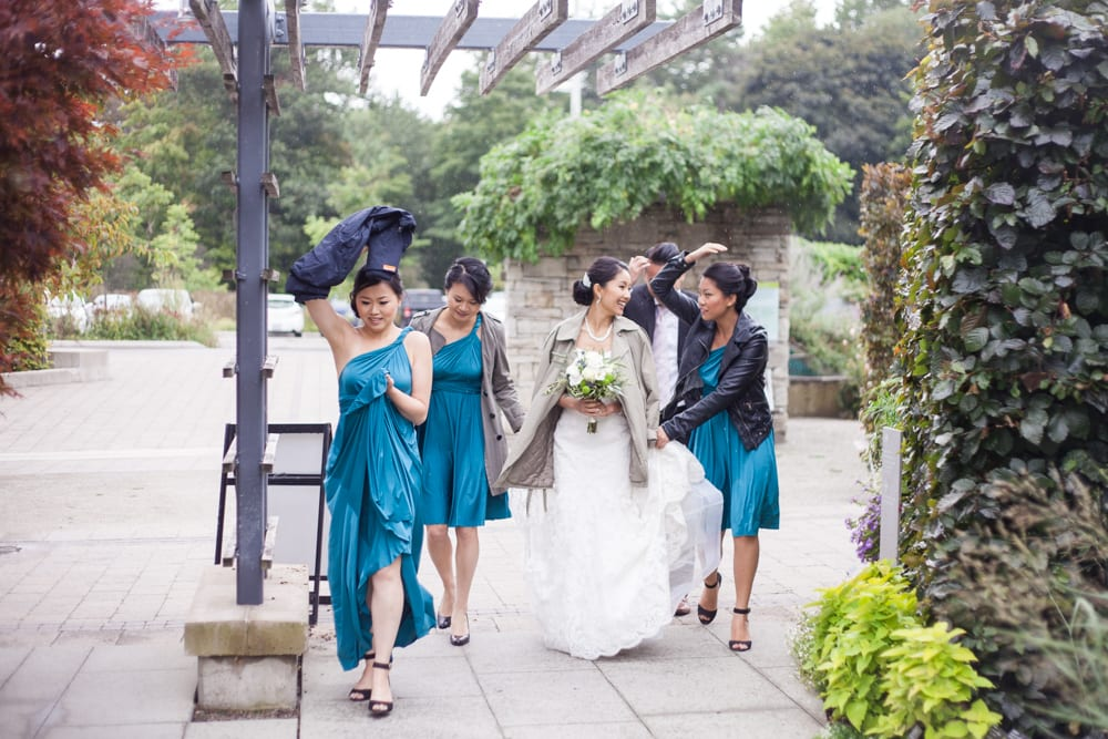 Bridal-Party-Walking-Rain-Zsuzsi-Pal-Photography-Wedding