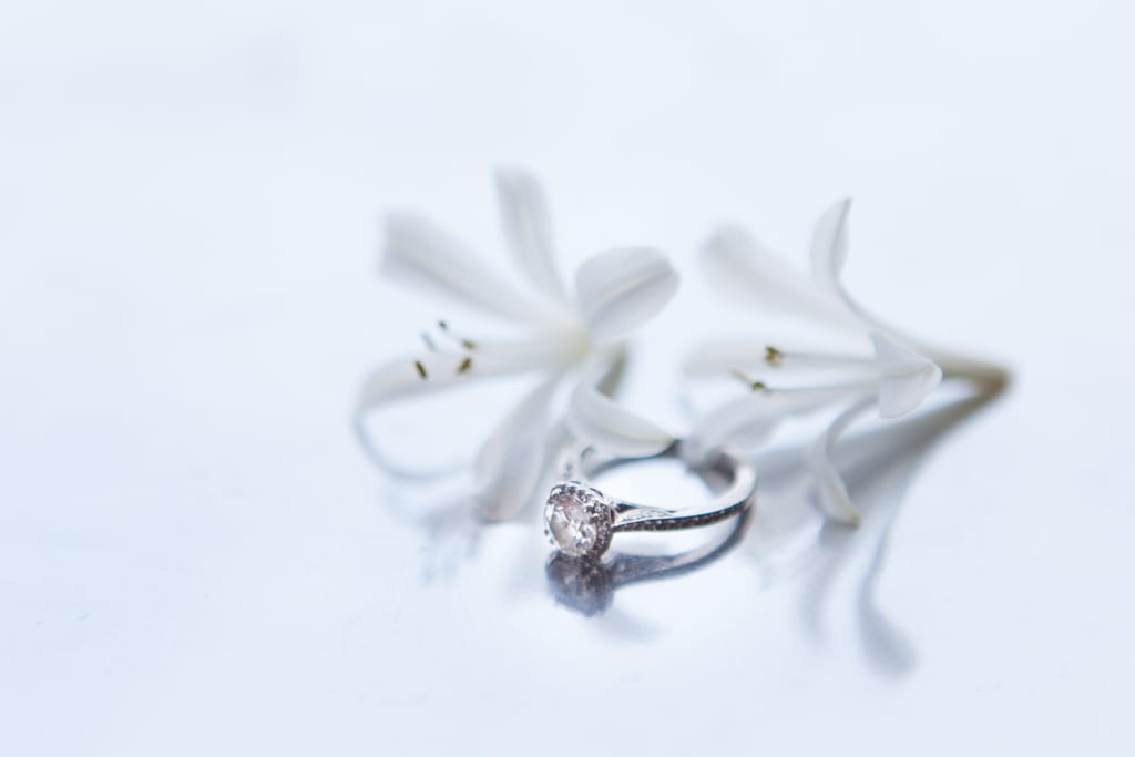 Rings-Flowers-Engagement-Zsuzsi-Pal-Photography