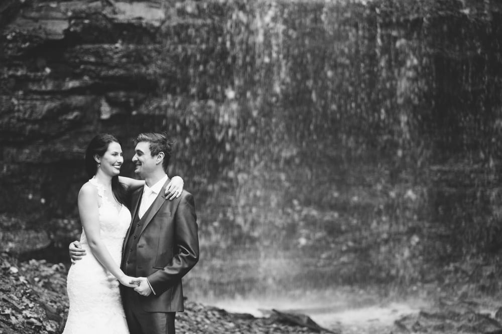 Couple-Waterfall-Zsuzsi-Pal-Photography-Wedding