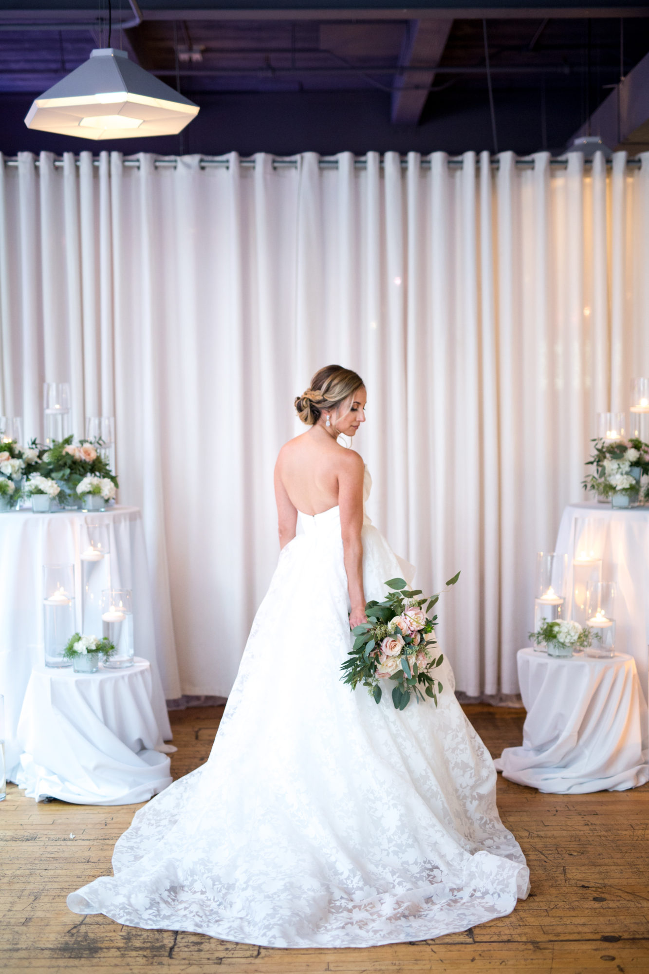 Bride Bouquet Hayley Paige Dress Gown Zsuzsi Pal Photography Toronto Wedding 2nd Second Floor Events
