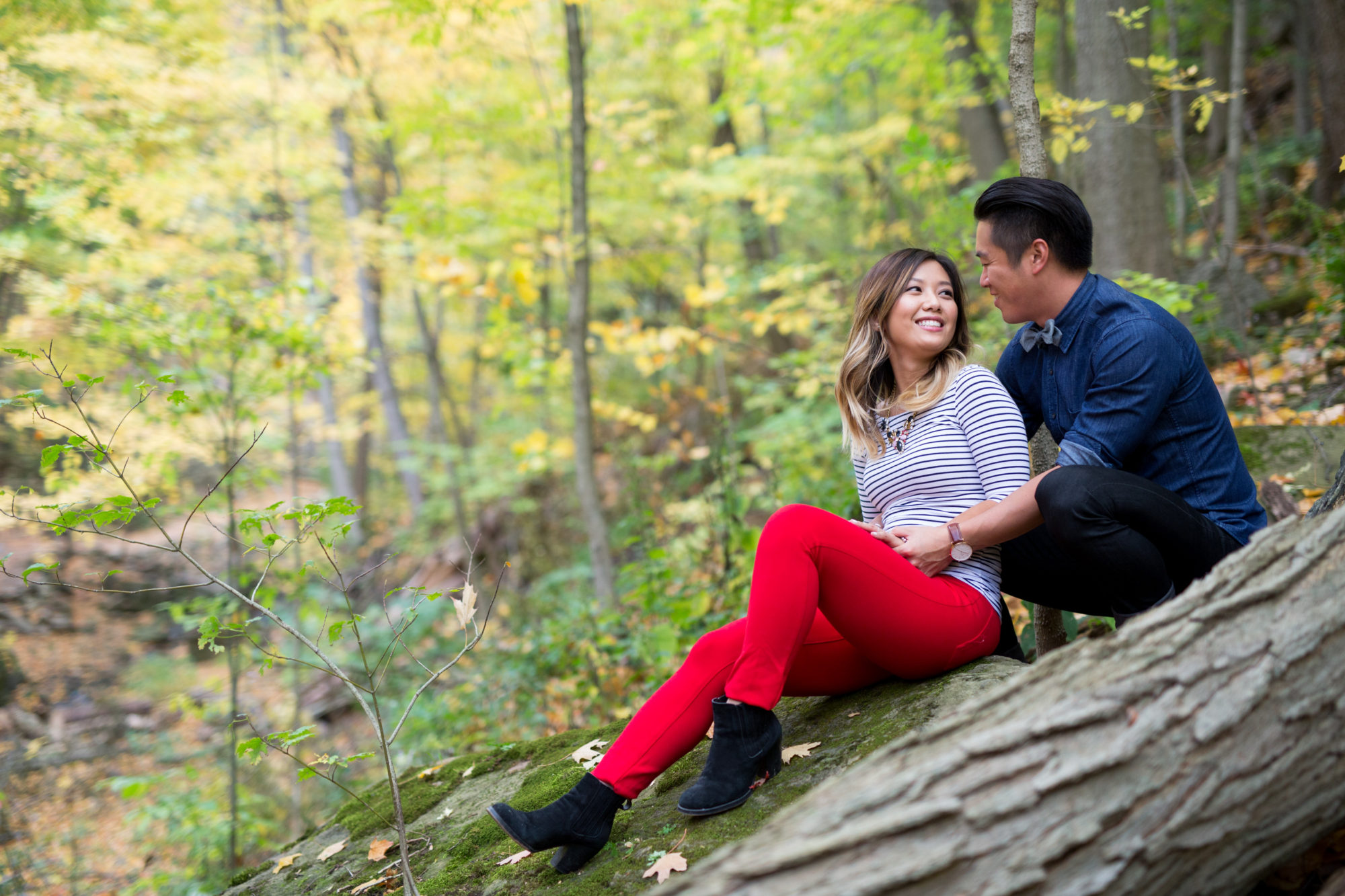 Nature Climb Cuddle Engagement Shoot Tiffany Falls Waterfall Zsuzsi Pal Photography