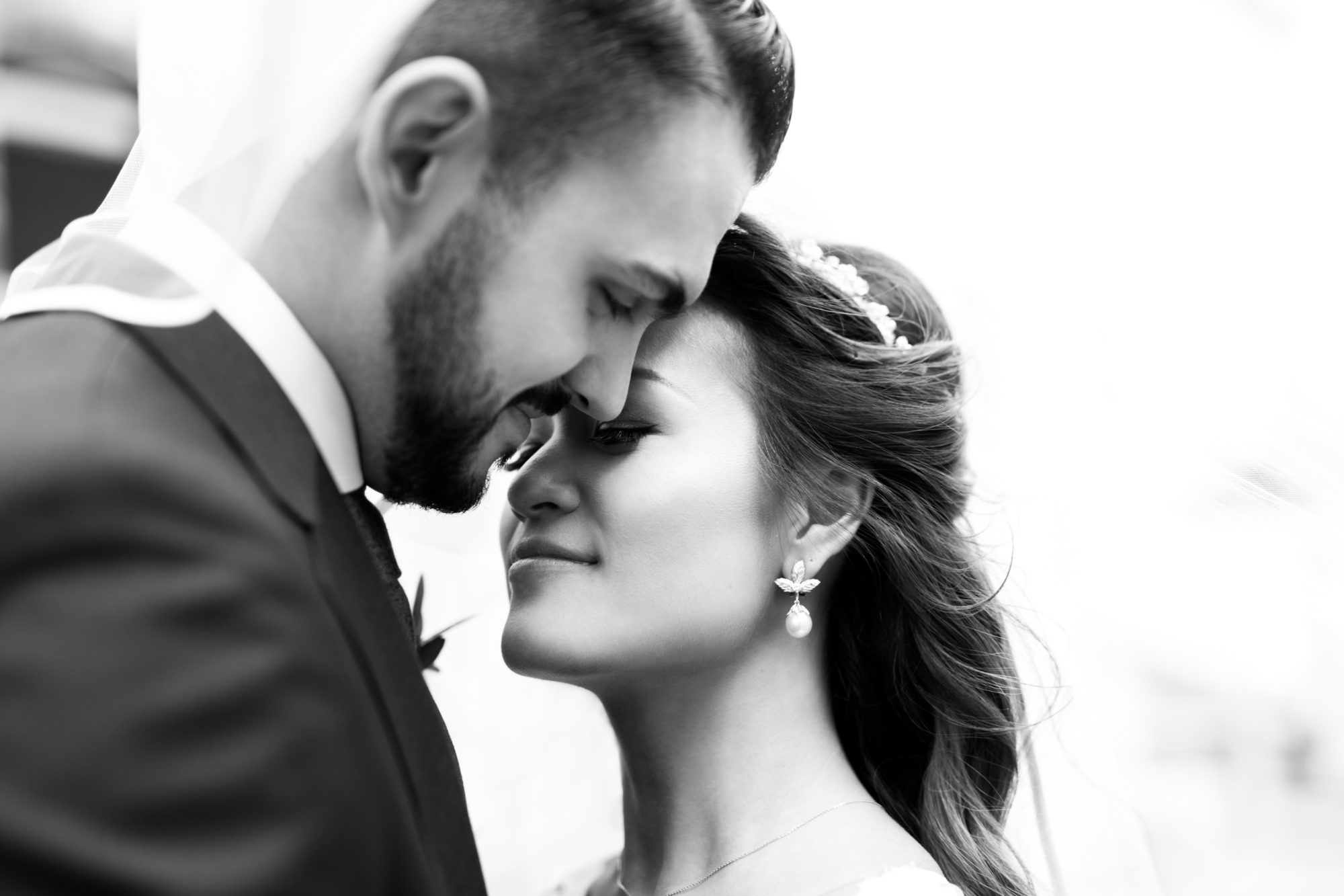 Black and White Bride Groom Toronto Wedding Zsuzsi Pal Photography