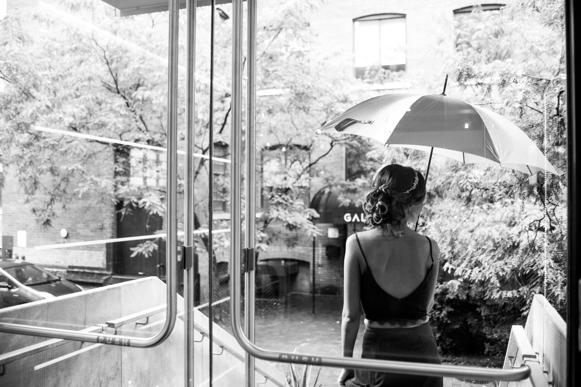Rainy Day Umbrella Toronto Wedding Zsuzsi Pal Photography