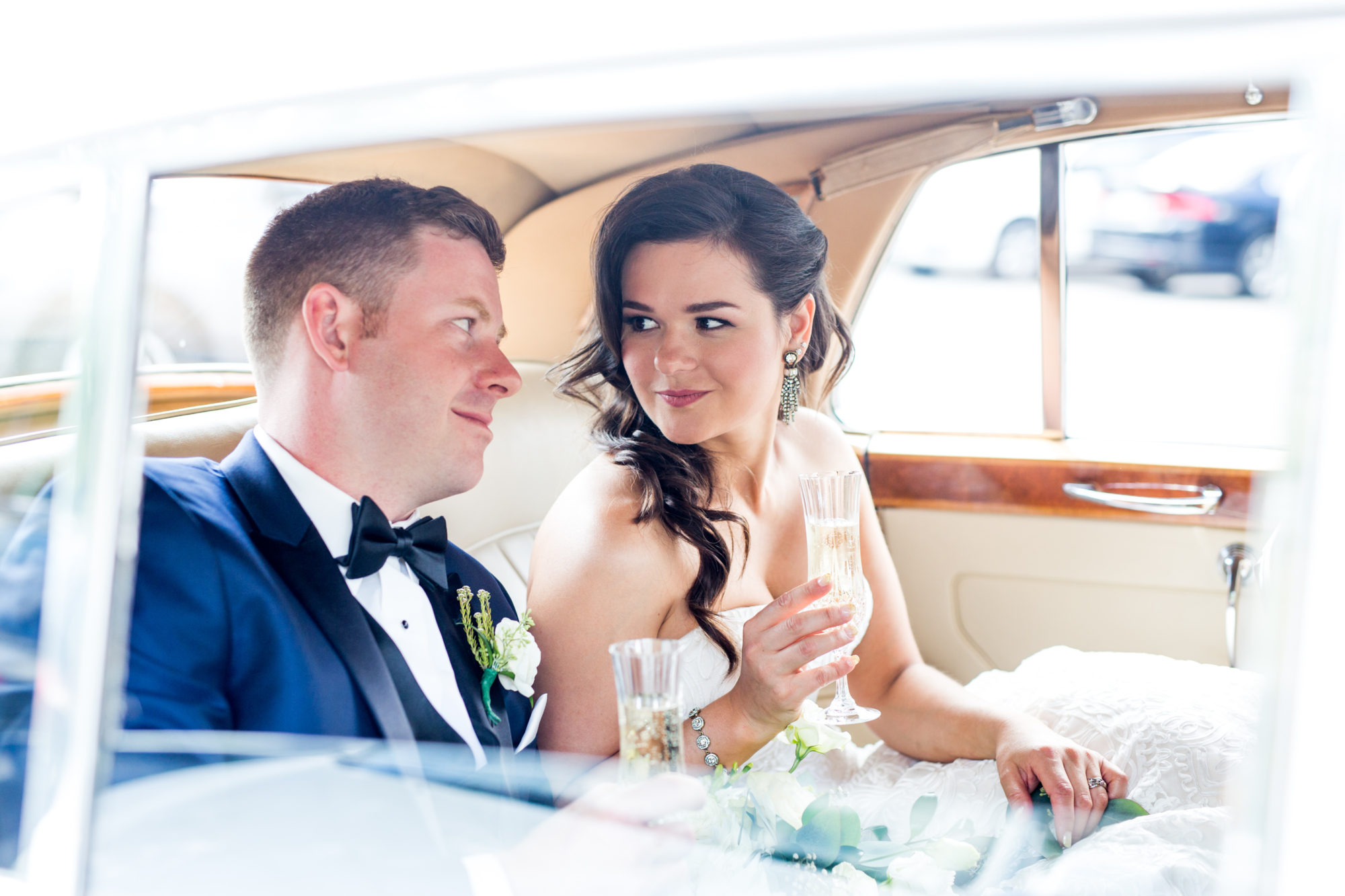 Limo Couple Toronto Wedding Zsuzsi Pal Photography