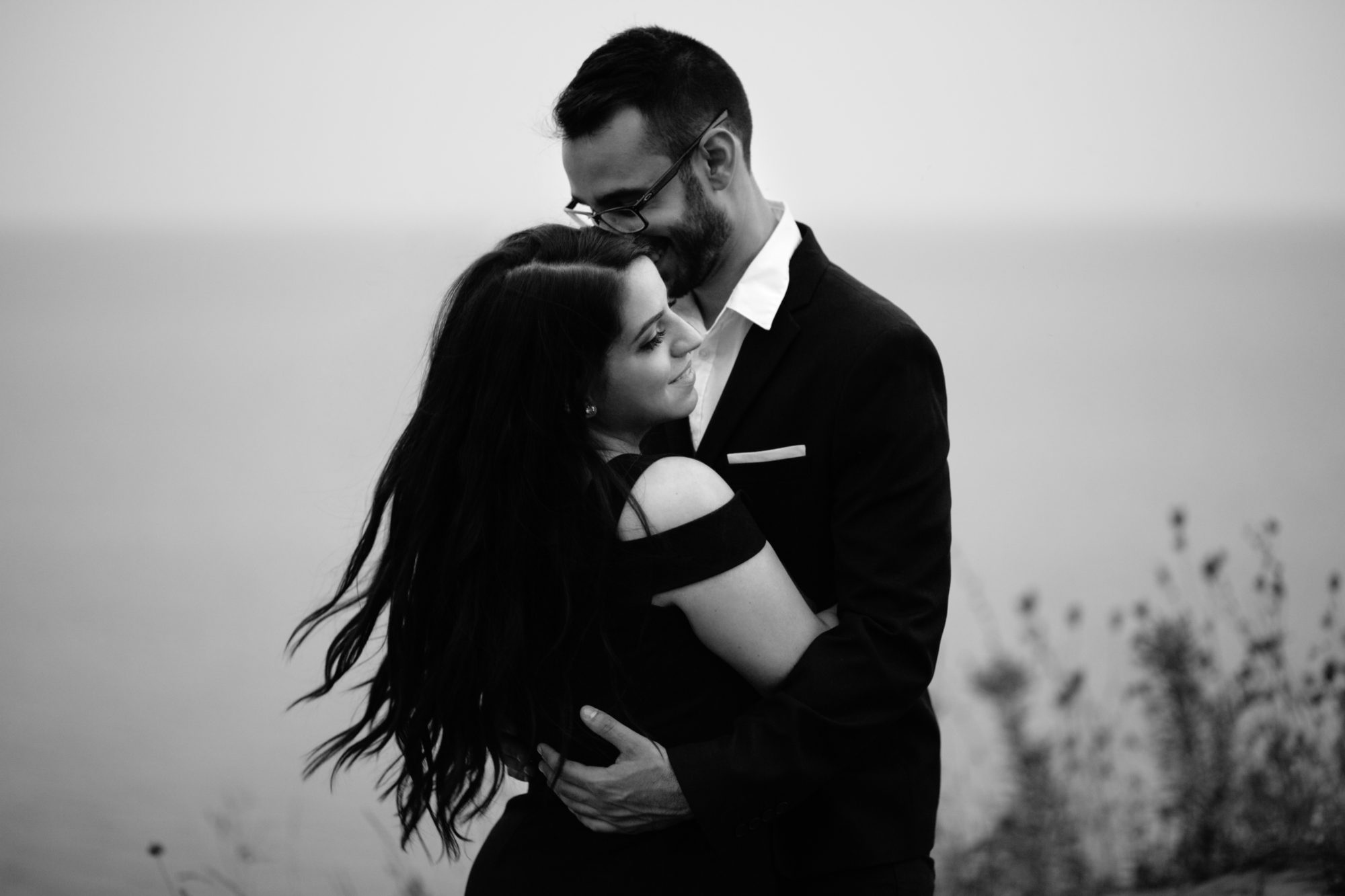 Scarborough Bluffs Black and White Toronto Wedding Zsuzsi Pal Photography