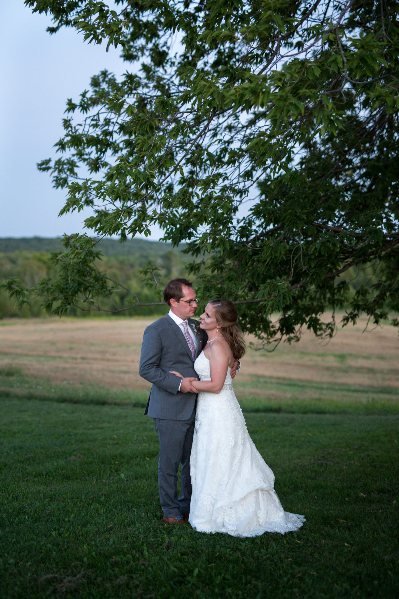 Sunset Bride Groom South Pond Farms Zsuzsi Pal Photography Wedding