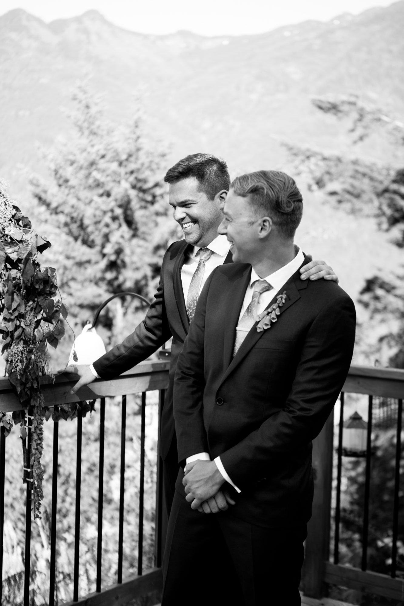 Best Man Hope Wedding British Columbia American Creek Lodge Zsuzsi Pal Photography