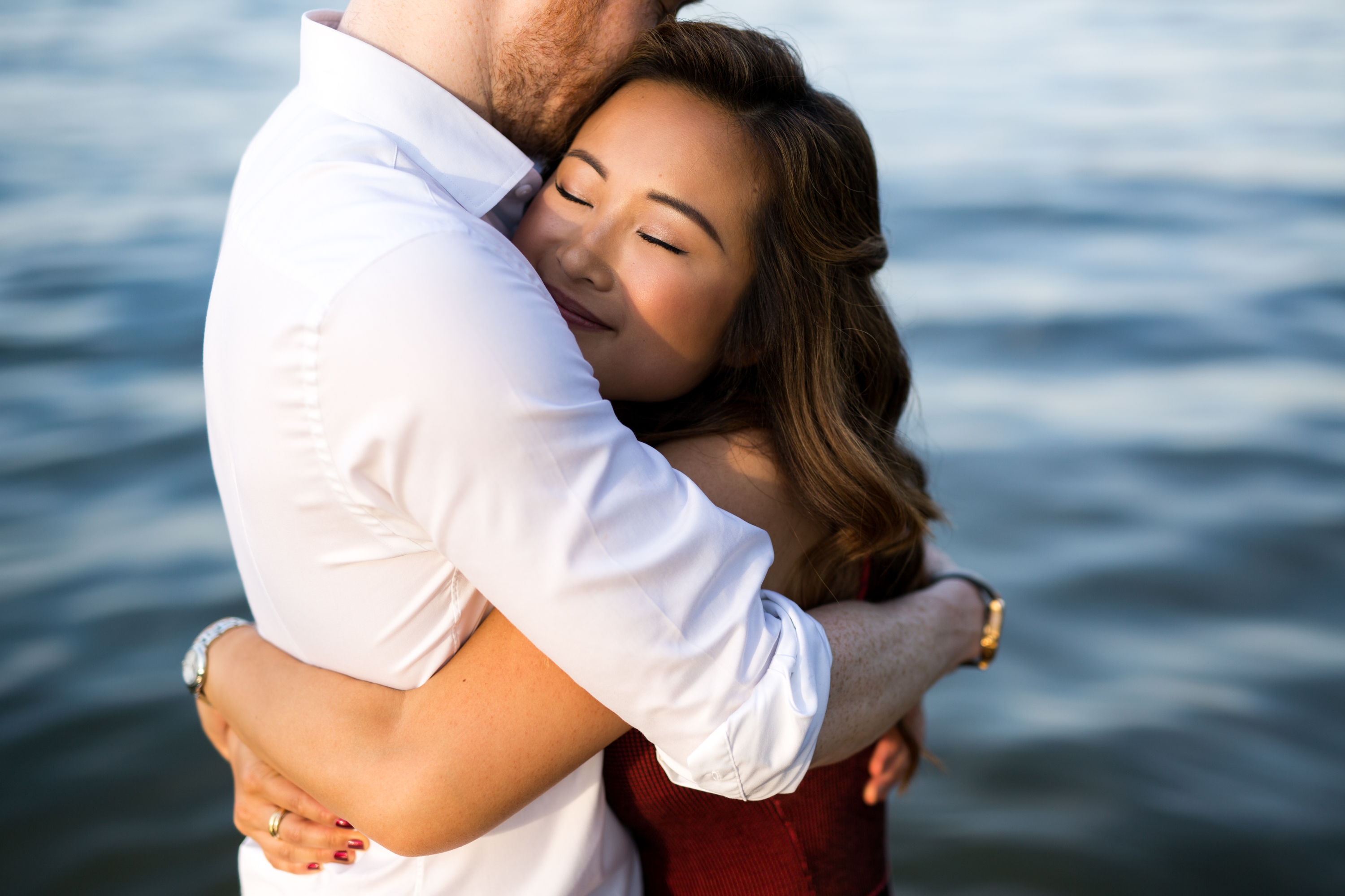 Hug Magic Hour Toronto Engagement Zsuzsi Pal Photography