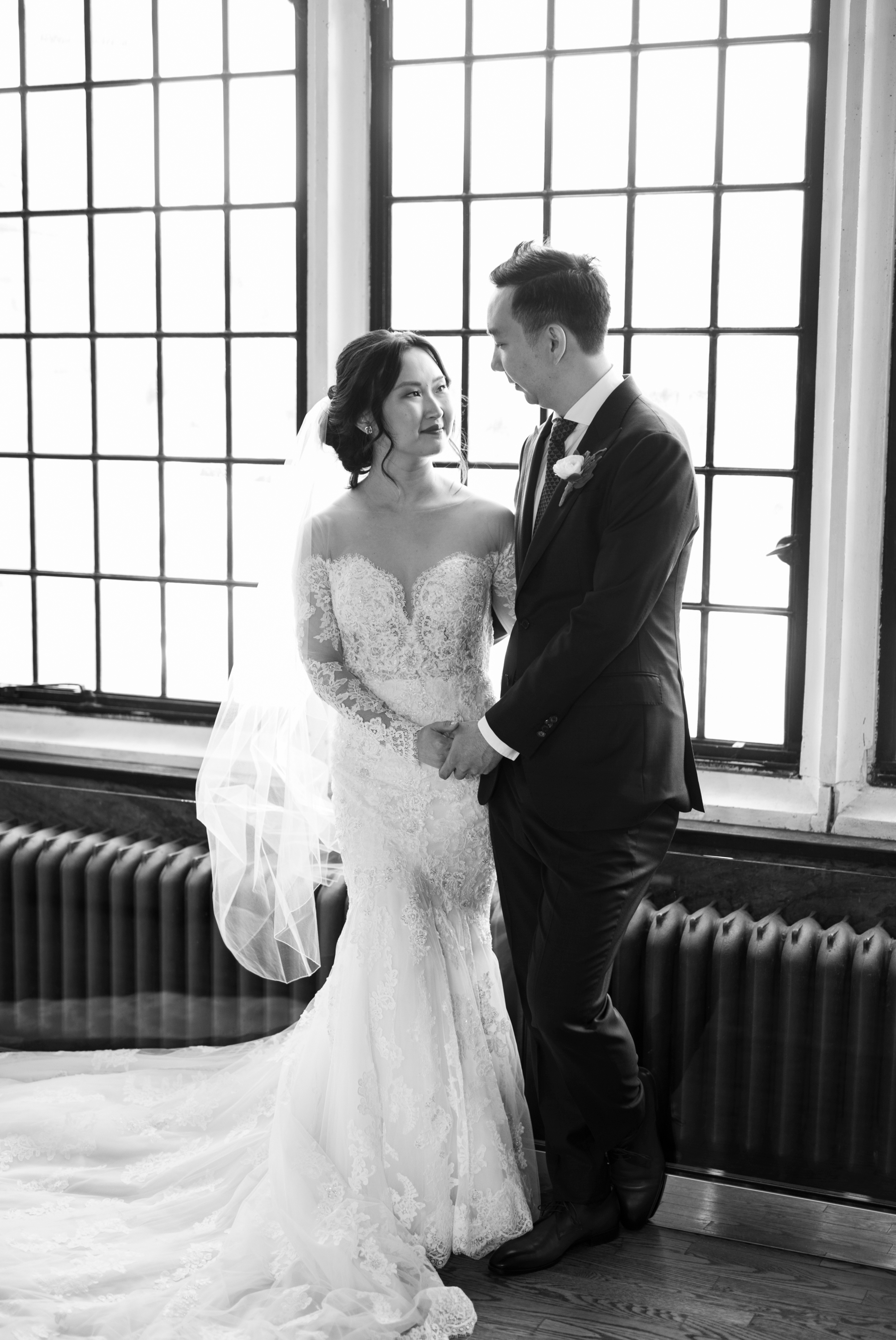 Black and White Toronto Casa Loma Four Seasons Chinese Wedding Zsuzsi Pal Photography Cindy Brian