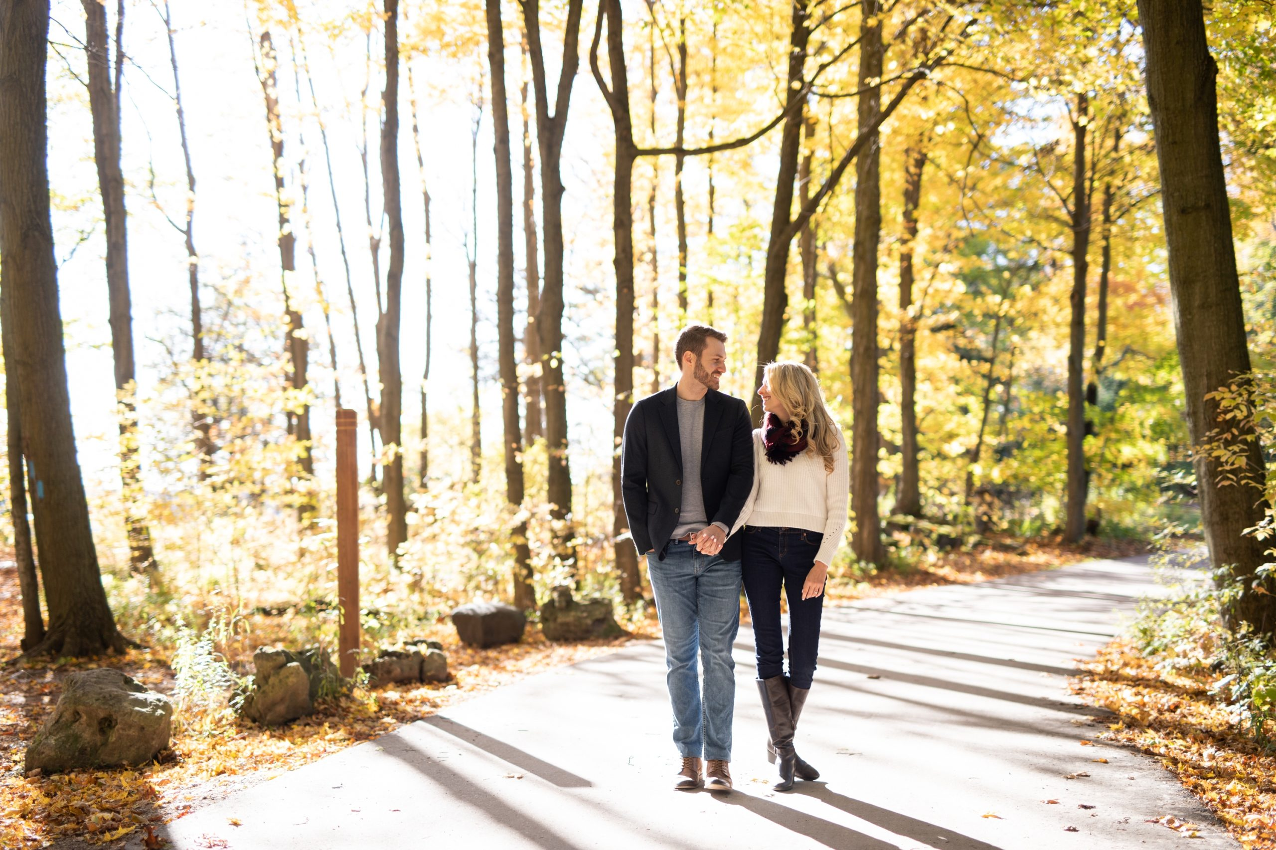 Couple Hike Rattlesnake Point Fall Autumn Engagement Milton Zsuzsi Pal Photography