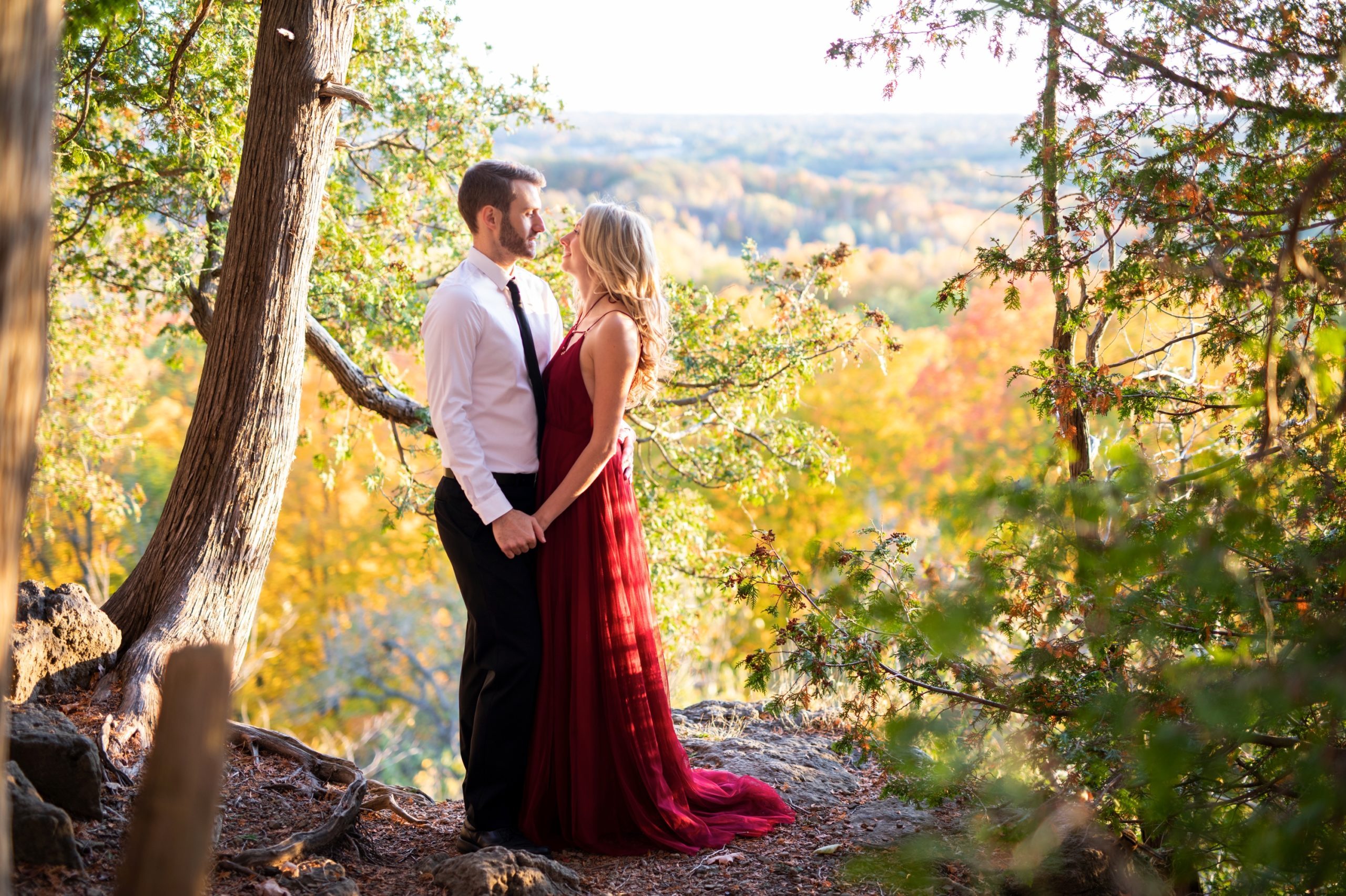Sunset Light Forest Rattlesnake Point Fall Autumn Engagement Milton Zsuzsi Pal Photography