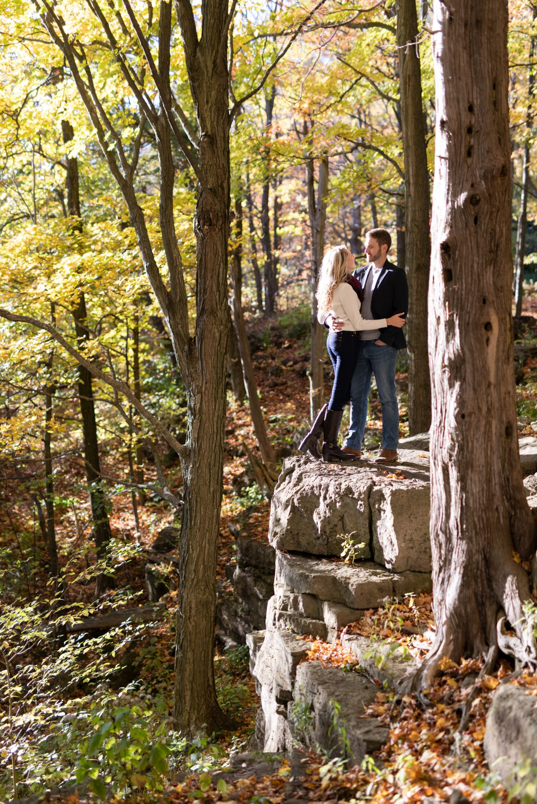 Cliff Rattlesnake Point Fall Autumn Engagement Milton Zsuzsi Pal Photography